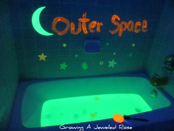 Glow bathtub